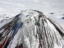 Камчатка, лавовая пробка в кратере Авачинкого вулкана