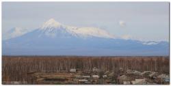 Вулкан Толбачик, вид из села Лазо Мильсковского района Камчатского края