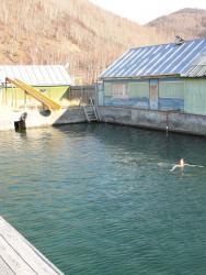 Бассейн на 47-м километре (по дороге на Эссо)
