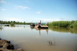Паромная переправа через реку Камчатка