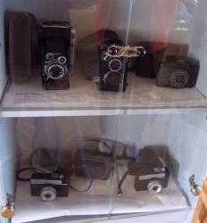 Кому принадлежали эти фотоаппараты?