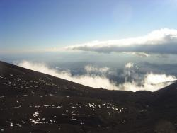 Массовое восхождение на Авачинский вулкан