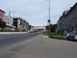 P8120006Пешеходный переход на Комсомольской площади.jpg